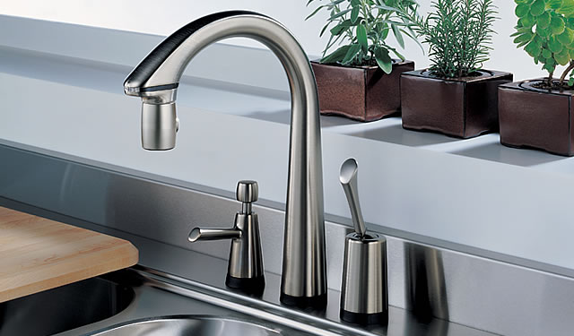 Pascal Kitchen Pull-Down Faucet